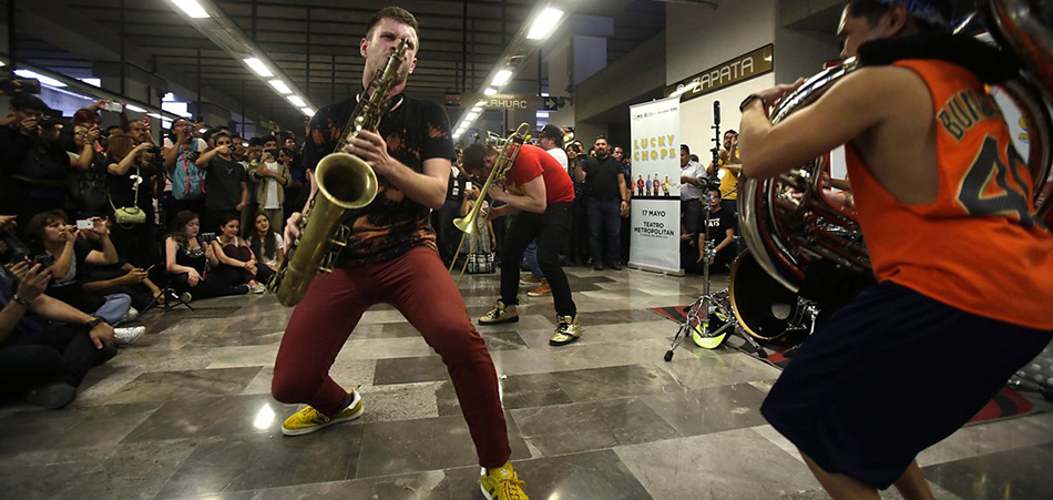 7 Street Musicians That Deserved To Go Viral